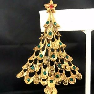 Vintage Christmas Tree Pin Crystals Gold Tone 9A